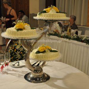 Decoration of the wedding cake