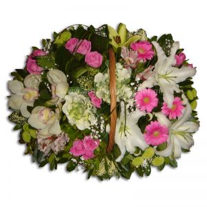 Flower arrangement in white-fuchsia color