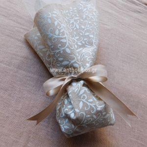 Μπομπονιέρες Γάμου, μπομπονιέρα με ιδιαίτερο floral ύφασμα