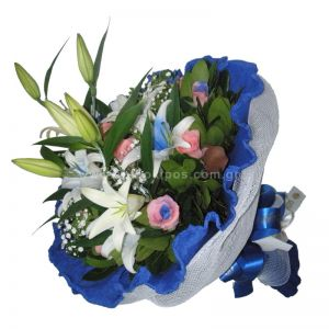 Bouquet in white-blue shade