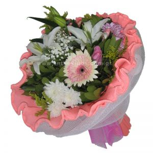 Bouquet in white-pink shade