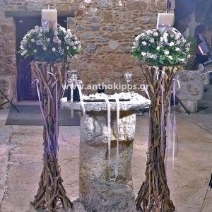 Λαμπάδες Γάμου με θαλασσόξυλα και υπέροχες συνθέσεις λουλουδιών