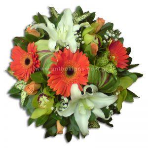 Λουλουδένια σύνθεση για τραπέζι