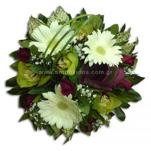 Σύνθεση λουλουδιών για δεξίωση
